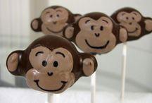 Cake pops / by Kathy Gocke