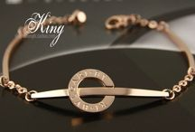 超人気ブレスレット スーパーコピーブランド / 超人気スーパーコピーブランドN級品激安通販店、世界一流ブランドコピーを取り扱っています。ブランドブレスレット,ブランド指輪・リングコピー,ブランドイヤリング・ピアス新作 商品現物写真、ご安心に購入してください。 http://www.sukura-jp.com/brandcopy-37.html