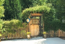 Fanciful Garden Gates / Garden and fence gates don't have to be boring. Here are a few designs to create an air of mystery or elegance to any outdoor room.