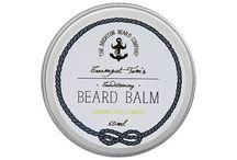 Brighton Beard Company / The Brighton Beard Company to brytyjska marka, założona w 2013 roku, w portowym mieście Brighton, w południowej Anglii. Nic więc dziwnego, że wszystkie produkty Brighton Beard są inspirowane morzem. Kosmetyki do brody z ich znakiem są wytwarzane wyłącznie z naturalnych składników, a misją Brighton Beard Company jest to, aby każdy brodacz wydobył ze swojej brody to, co jest w niej najlepsze.