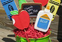 Teacher Thank You Ideas / Cookies, cakes, cake pops, cupcakes, thank you, teacher, apple, Best Teacher, chalk board, crayons, pencils