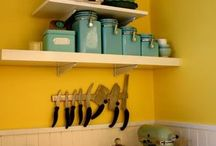 Vintage and Antique Kitchen Display / Interesting uses for vintage and antique items for kitchens