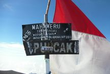 Semeru Mountain (MAHAMERU) 3676 masl / An honor for me to the top of the mountain semeru (Mahameru) the highest mountain in Java with an altitude of 3676 masl not just a show of themselves or be proud of but just to appreciate the beauty and majesty of God