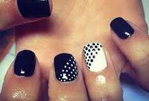 Dotting nails