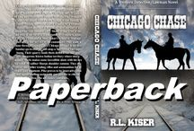 Chicago Chase / A killer leads three lawmen a merry chase into dangerous renegade Kiowa territory and into a mountain avalanche. Read how they get out of this one.