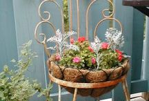 GARDENING IN CONTAINERS/BASKETS / GARDENING IN CONTAINERS OR HANGING BASKETS