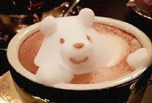 Inspiracje - kawa latte art 3d / W sztuce podawania kawy latte można osiągnąć mistrzostwo. Latte art 3d budzi respekt.
