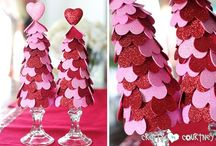 Valentine Crafts / DIY crafts to make for Valentine's Day, either for a gift or for decorating your home or office.