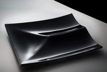Martin Žampach /  Martin Žampach  Martin Žampach, vítěz několika desingových ocenění studoval umění skla na výtvarné škole v Luhačovicích. V roce 2006 promoval na univerzitě Tomáše Bati ve Zlíně, kde studoval industriální design. Dále studoval produktový design na akademii výtvarného umění v Krakově v Polsku.