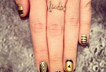 Metallic nail art / Bagliori metallici sulle unghia!