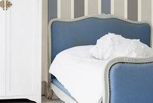 chambre rayée bleu blanc gris