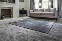 Ковры ручной работы Jacaranda Carpets / Ковры и ковровые покрытия Jacaranda Carpets (Великобритания) производятся вручную в Северной Индии и в Непале. Ковры ткутся на широких деревянных станках традиционным способом, принесенным с Тибета и передающимся из поколения в поколение. В составе чистый китайский шелк и тончайшая шерсть, а также их изготавливают из неокрашенной шерсти, из вискозы, сочетания шерсти и вискозы или из кожи.