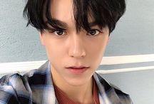 Seventeen / Members; S.coups, Yoon JeongHan, Joshua, Jun, Hoshi, Jeon Wonwoo, Woozi, DK, Kim Mingyu, The8, Boon SeungKwan, Vernon, Dino.  Bias: Jeonghan. Bias wrecker: S.coups.