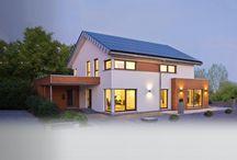 WEISS-Häuser / Individuell geplante Fertighäuser - Landhaus bis Bauhaus - Handwerk seit 1881