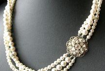Perlas / Pearls / Joyas, moda y otros complementos con Perlas. Unos serán de www.elrincondemisalhajas y otros serán diseños que nos encantan