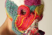 Mascara tejida