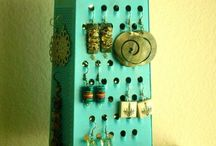 A food grater to hook earrings