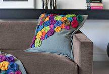 подушка с цветами