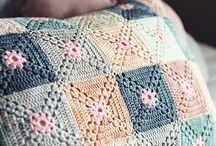 Crochet cushions / Beautiful ideas for cushions with crocheted covers