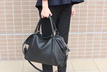 【1métre carrè(アンメートルキャレ)】FB50069 / 【1métre carrè(アンメートルキャレ)】 シープの柔らかさを表現。 荷物が多い時にオススメのバッグですが、 荷物があまり入っていなくてもクタクタした革の感じが素敵なので、そのままお持ちいただけます。
