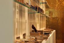 """""""Cave à chocolats"""" - Saint-Honoré / Jean-Paul HEVIN vous présente sa nouvelle boutique """"Cave à chocolats"""" située au 231 rue Saint Honoré - côté cour, Paris 1er ."""