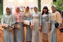Batik dan Gaun
