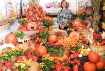 Beautiful Produce Displays / Theses are retail produce displays that are beautiful and clever.