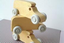 Brinquedos / Brinquedos de madeira ou brinquedos que não são de madeira mas podem ser replicados em madeira.