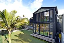 Award Winning / An Auckland home featuring our motorised 200mm Louvreline Panels placed vertically and in black anodised has won the Supreme Award at this year's Auckland and Northland Registered Master Builders 2014 House of the Year competition. We're really proud to have our product specified + installed on this stunning home.