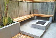 Wooden Pallets/Concrete Bricks / DIY with Wooden Pallets and Concrete Bricks.