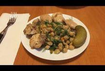 Chickpea salad & chicken. Salată de năut cu pui. Салат из нахута с мясом курицы. / Ingredients: chickpea-300g, chicken-500g, 1 carrot, 2 onions, dill, olive oil, salt and peperocino. Ingrediente: năut-300g, carne de pui-500g, 1 morcov, 2 cepe, mărar, ulei de măsline, sare și piper. Ингредиенты: нахут-300г, мясо куриное-500г, морковь-1шт, лук-2шт, укроп, масло оливковое, соль и пеперочино.