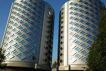 Project |  SugarCity / OTRAVO reisorganisatie gaat na de fusie tussen Vliegtickets.nl en World Ticket Centre van 3 locaties verhuizen naar 1 gezamelijke locatie op beide 12e verdiepingen in de torens van SugarCity. Het concept en de materialisering zijn door ons ontworpen en tijdens het bouwproces bewaakt.