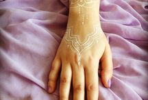 White Ink Tattoos (UV) / White ink tattoos are some kinds of gorgeous body art that are still unknown to a lot of people in the entire world. http://fabulousdesign.net/white-ink-tattoos/
