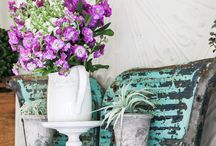 Spring Home Tour 2017 / Get ready to get inspired! 22 fabulous and talented bloggers invite us into their homes this Spring to see how they decorate their unique living spaces. An endless amount of ideas to get you ready for the Spring season!