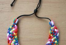 Manualitats ( complements) / Realització de collars, arrecades, anells