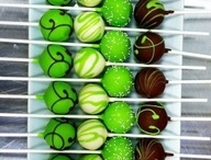 Cake pops / by Deonna Hotovec
