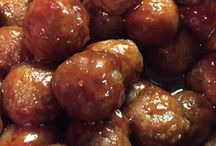 Gameday Grub / Food and entertaining ideas for game watching- tailgating or at home