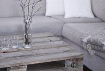 Tables en palettes de bois