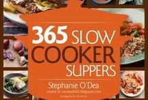 Slow Cooker Recipes / by Earlene Hannah