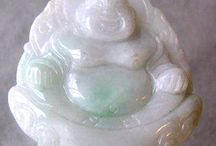Carved Beads > Buddha / Hand carved gemstone and bone beads.