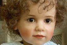 Peutermeisje met bruine ogen - Olivia