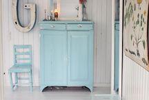 Muebles azul burbuja-Bubble blue-El Taller de lo Antiguo / Ejemplos de muebles pintados en azul Burbuja mismo matiz que nuestro Esmalte Decorativo Extra Mate. Extra matt Decorative enamel colour Bubble blue de El Taller de lo Antiguo Ex. Painted Furnitures with same colour.