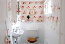 Tiny Bathroms / Got a small bathroom? No worries! Feel free to like, re-pin, and follow!