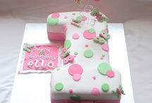 Amelia 1st birthday cake