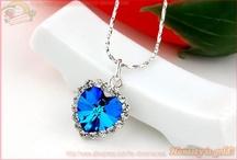 Jewelry / by Tara Valentine