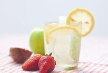 Mason Jar Infuser / A great collection of recipes for fruit infused waters, teas, vodka's and more