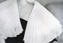 50s / I am in love with 50s fashion style. Some very simple but elegant and some details blow me away