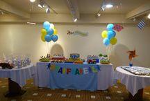 1° Ano - Festa Infância de Menino / Mesa doces tradicionais em forminhas e copinhos personalizados.