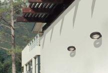 Iluminación exterior y diseño / La iluminación de exteriores mediante luces Led es cada vez una realidad más presente en nuestras vidas debido al bajo consumo y a la calidad de iluminación que se obtiene.  Permite decorar hogares, hoteles e instalaciones de cualquier tipo dando un diseño particular y de lo más elegante, además de aportar confort visual para cualquier tipo de situación.  Ideales para piscinas, jardines, fuentes, fachadas...