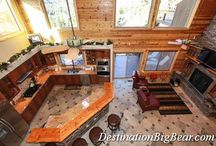 Cabin Living Room Ideas / Fantastic living areas with views or well decorated cabins at www.DestinationBigBear.com  909-752-0234